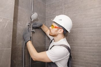 What Should You Look for When Hiring a Bathroom Contractor?